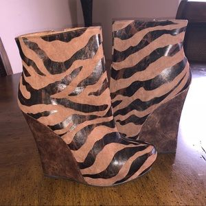 Bakers Shoes - Bakers leopard wedge boot